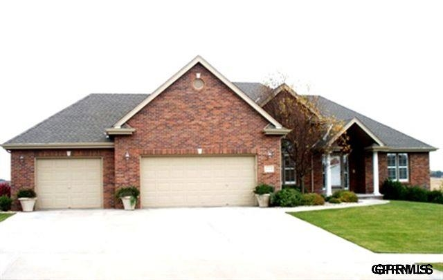 Rental Homes for Rent, ListingId:30231542, location: 17209 Oakmont Dr Omaha 68136