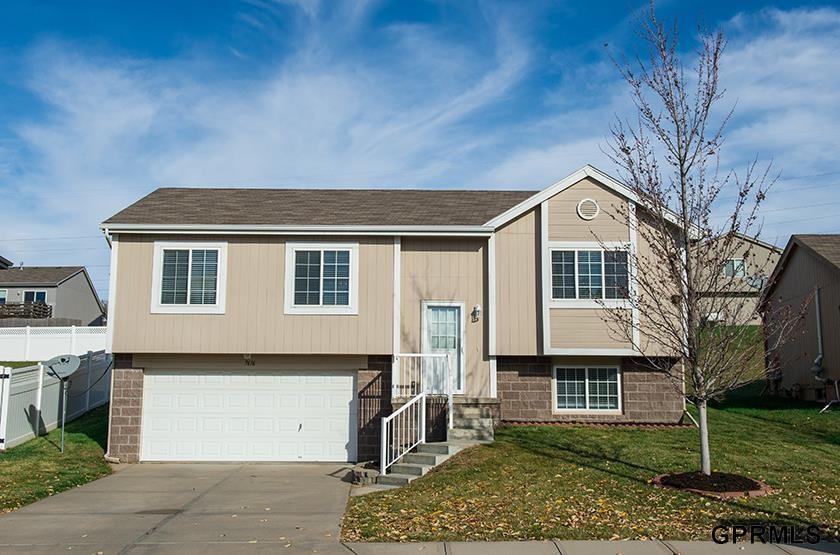 Rental Homes for Rent, ListingId:30915136, location: 7616 Fillmore Street Omaha 68122