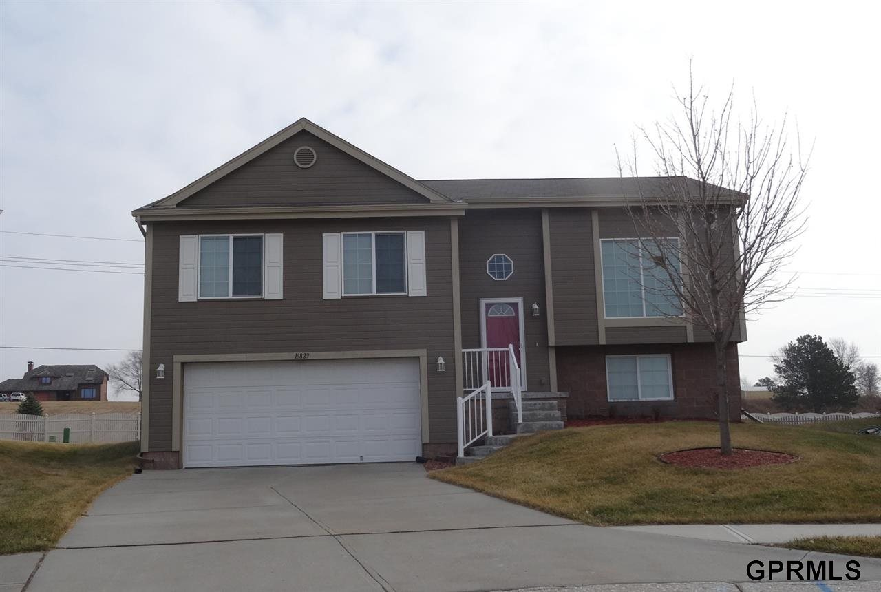 Rental Homes for Rent, ListingId:30966810, location: 16829 Browne Street Omaha 68116