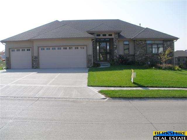 Rental Homes for Rent, ListingId:31239620, location: 12450 S 79 Avenue Papillion 68046