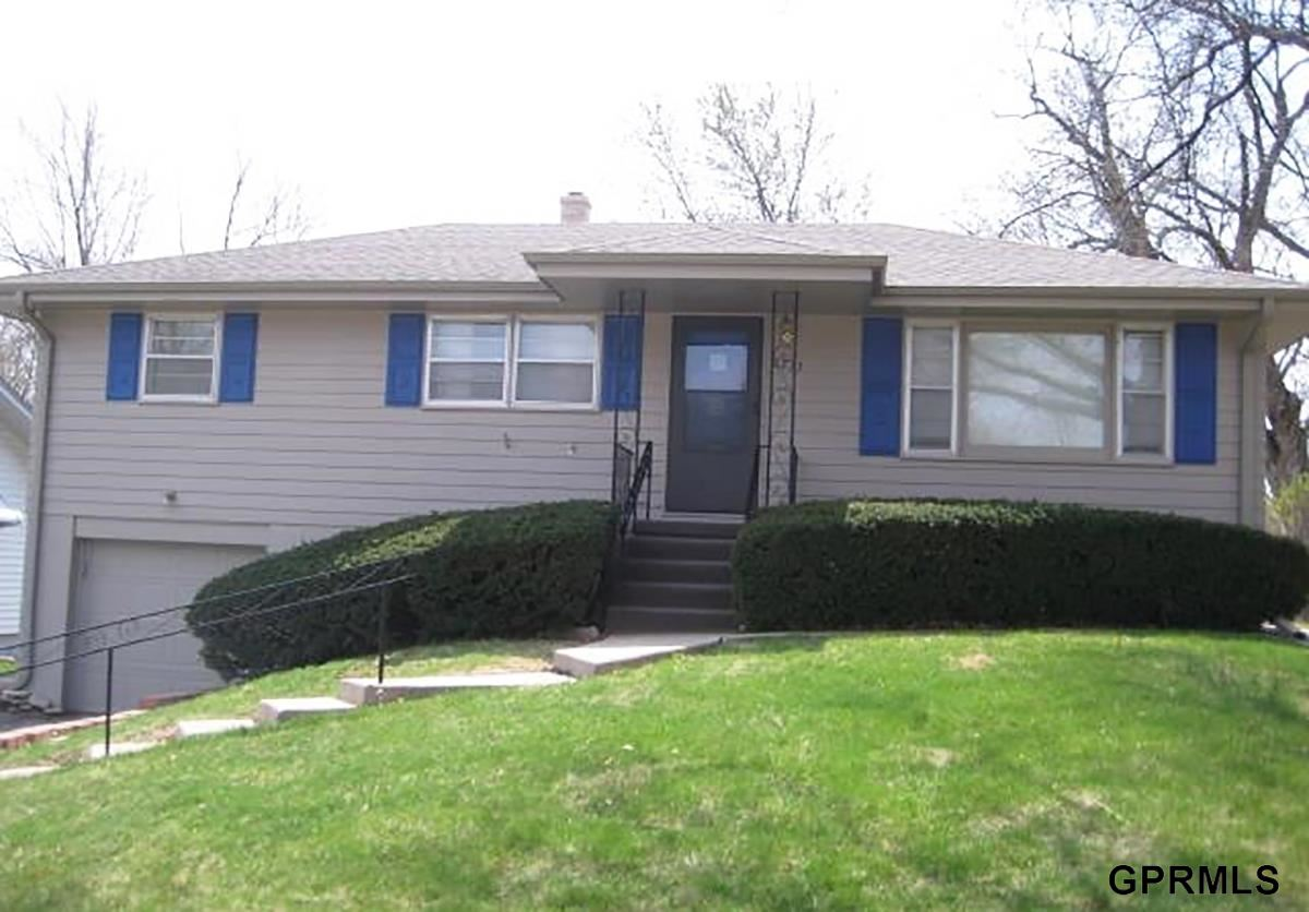 Rental Homes for Rent, ListingId:31402321, location: 8213 Castelar Street Omaha 68124