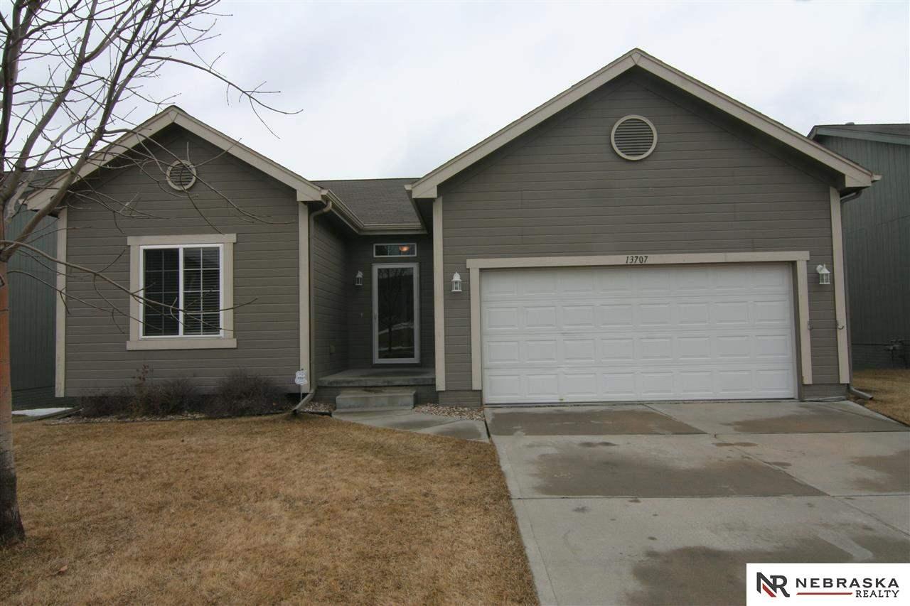 Rental Homes for Rent, ListingId:31854558, location: 13707 S 14th Bellevue 68123