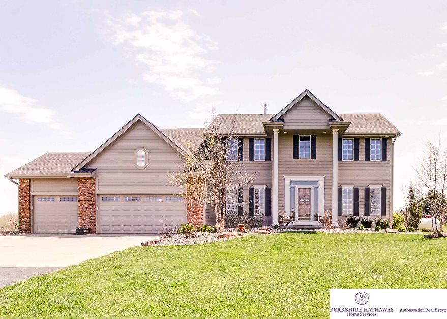 3114 Golden Eagle Cir, Blair, NE 68008