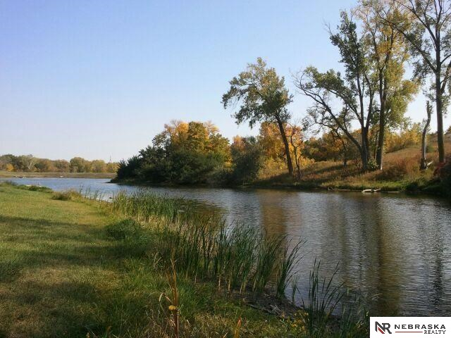 Crystal Lake Dr, Blair, NE 68008