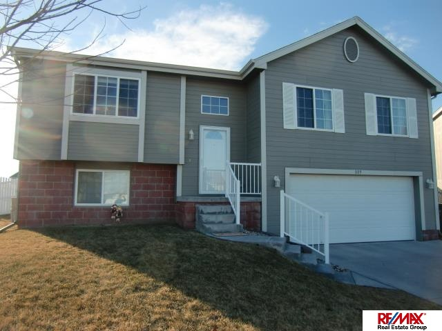 Rental Homes for Rent, ListingId:32443571, location: 809 Lake Vista Papillion 68046