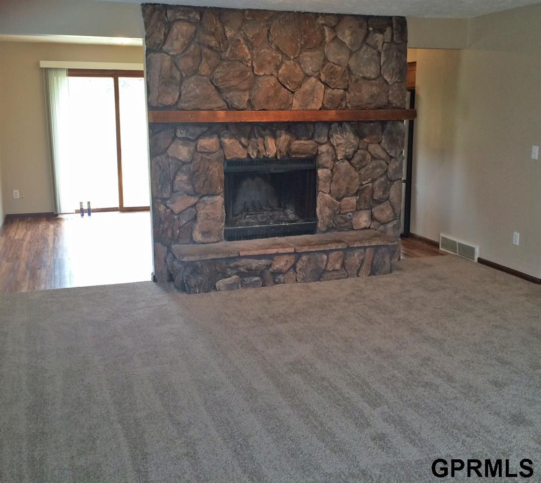 Rental Homes for Rent, ListingId:32640726, location: 6119 N 108th Omaha 68164