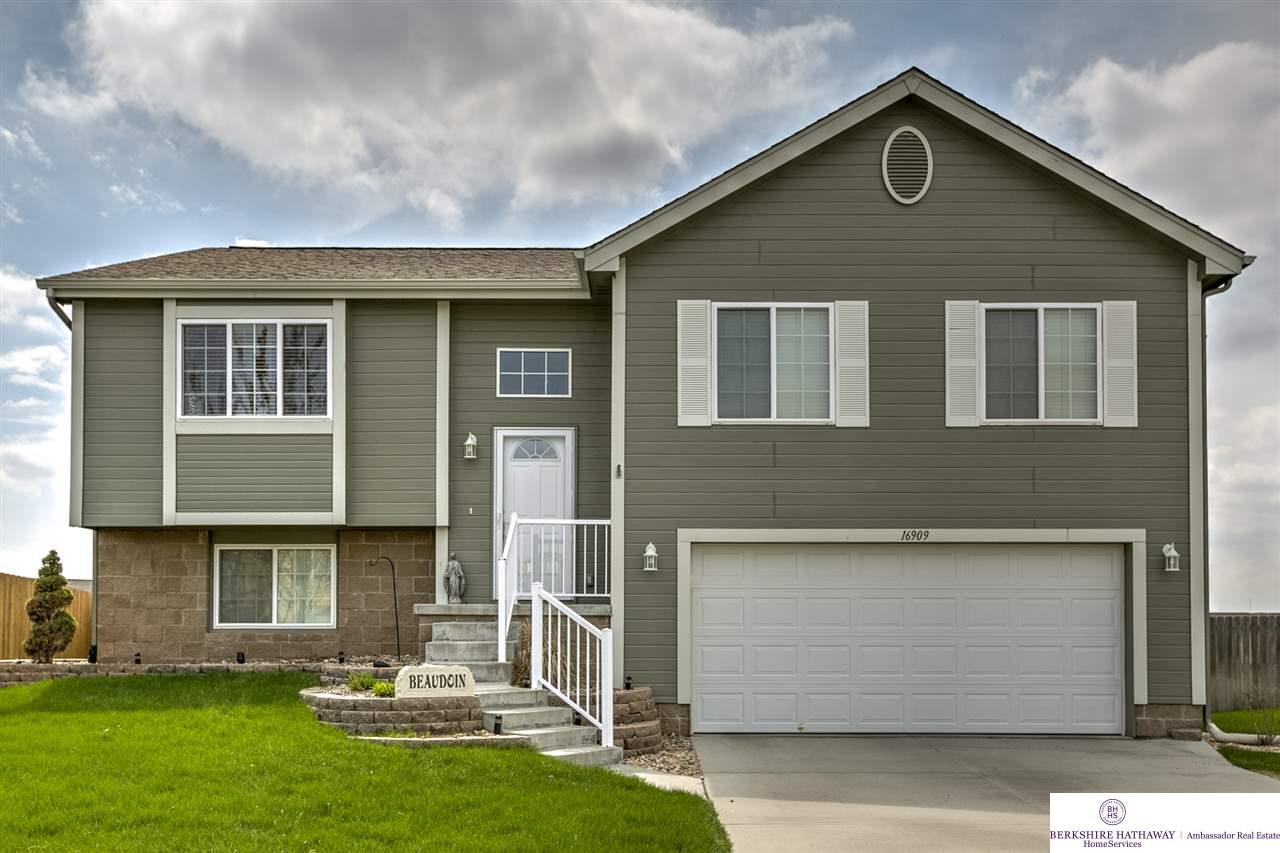 Real Estate for Sale, ListingId: 32847937, Omaha,NE68116