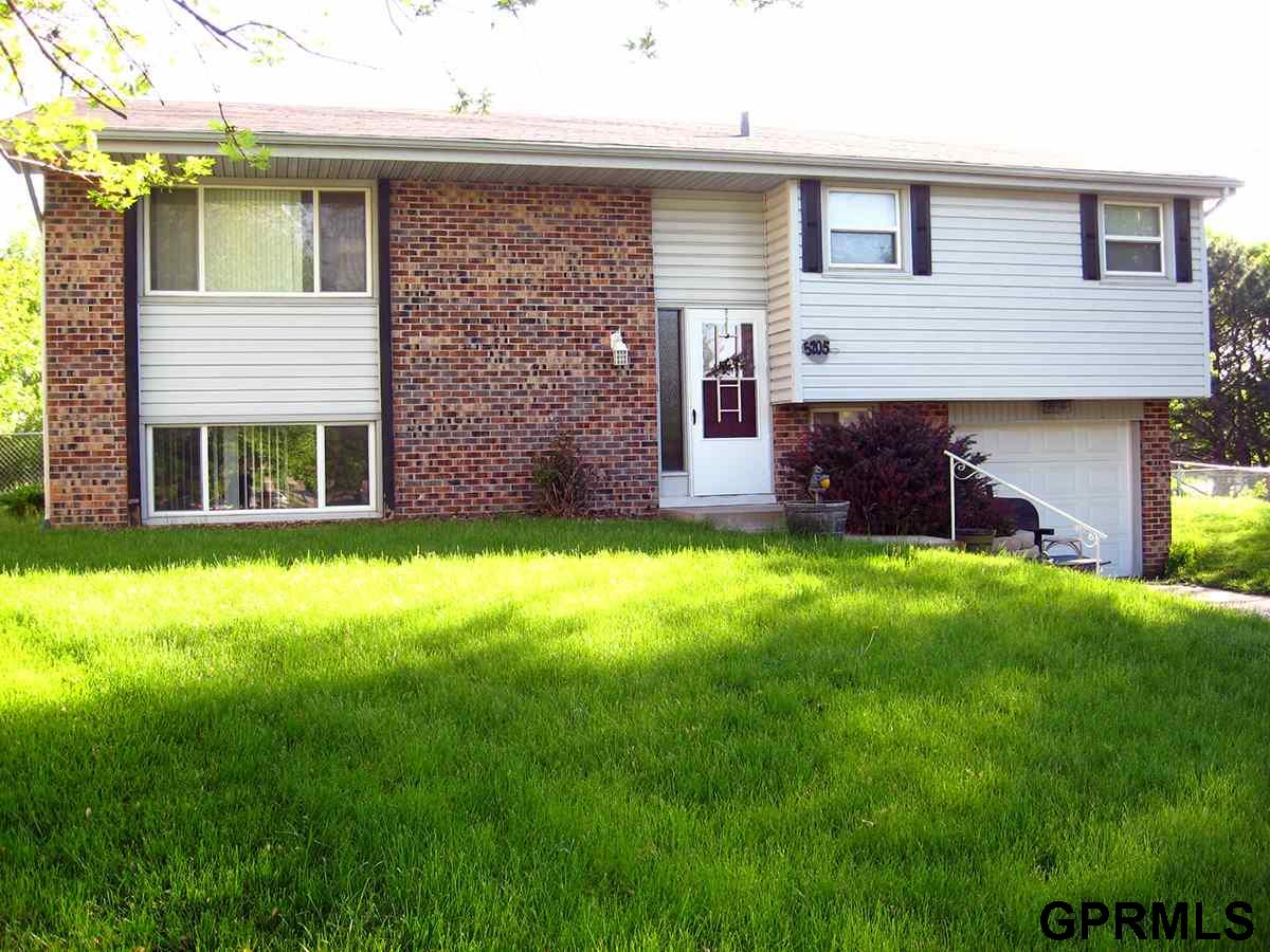 Rental Homes for Rent, ListingId:33299502, location: 5205 S 104th Omaha 68127