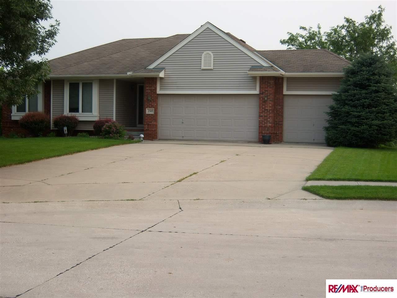 Real Estate for Sale, ListingId: 34102777, Papillion,NE68133