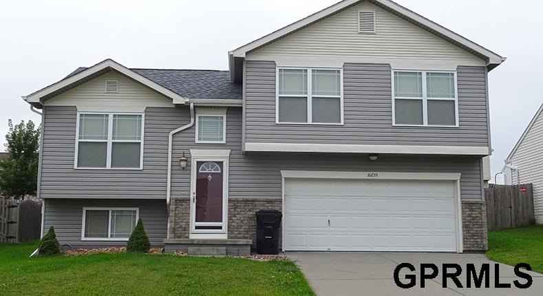 Rental Homes for Rent, ListingId:34935477, location: 16139 Cherrywood Omaha 68136