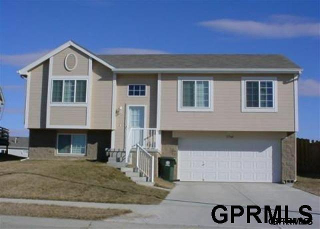 Rental Homes for Rent, ListingId:35881752, location: 17360 Ruggles Omaha 68116