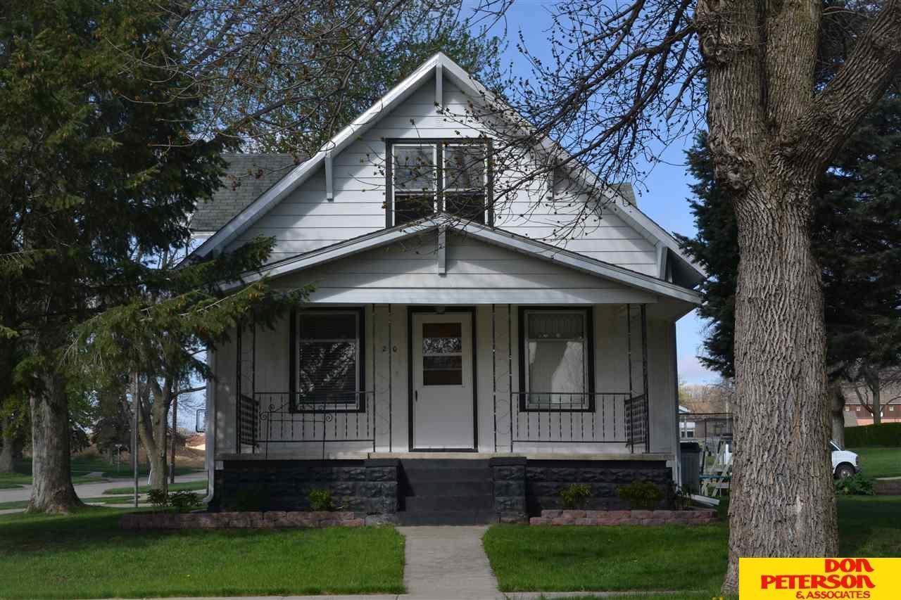 210 S Summit Ave, Hartington, NE 68739