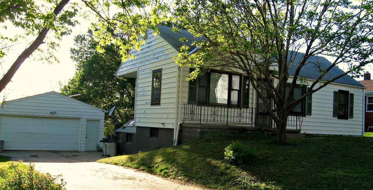 Photo of 1526 N 10 Street  Bellevue  NE