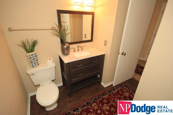 Attached Housing, Condo/Apartment Unit - Bellevue, NE (photo 5)