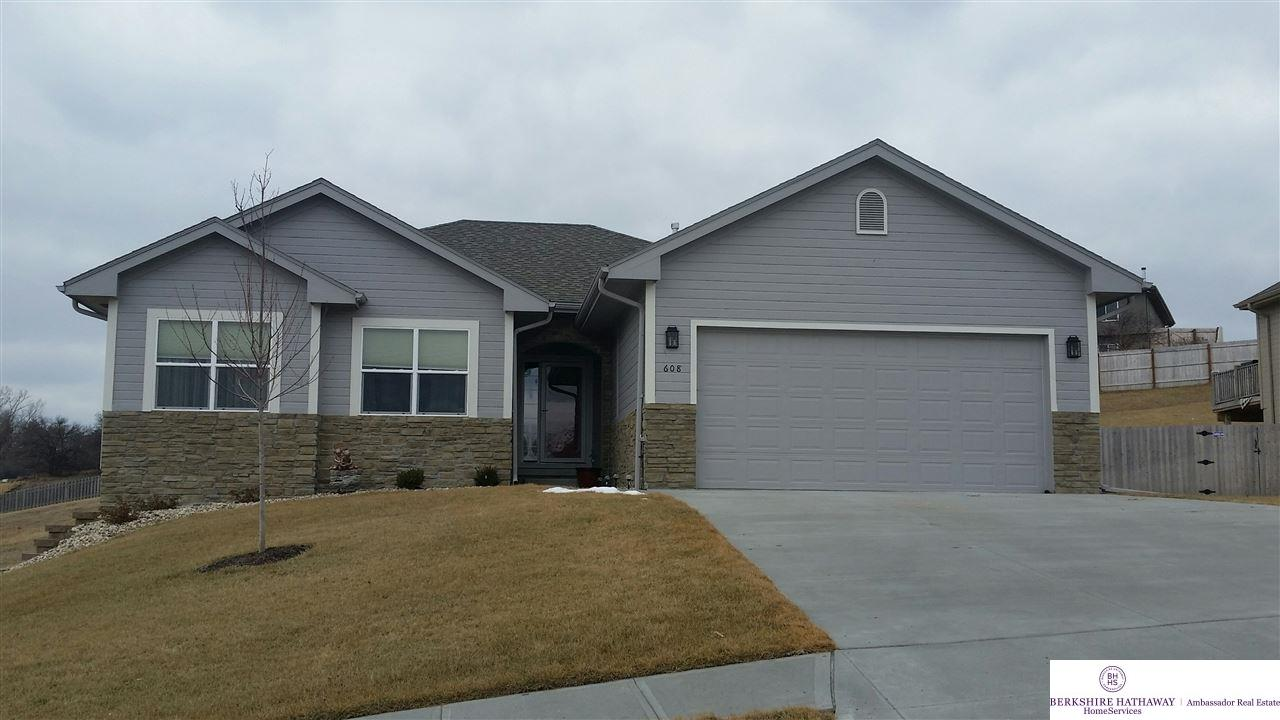 1609 Windsor Way, Fort Calhoun, NE 68023