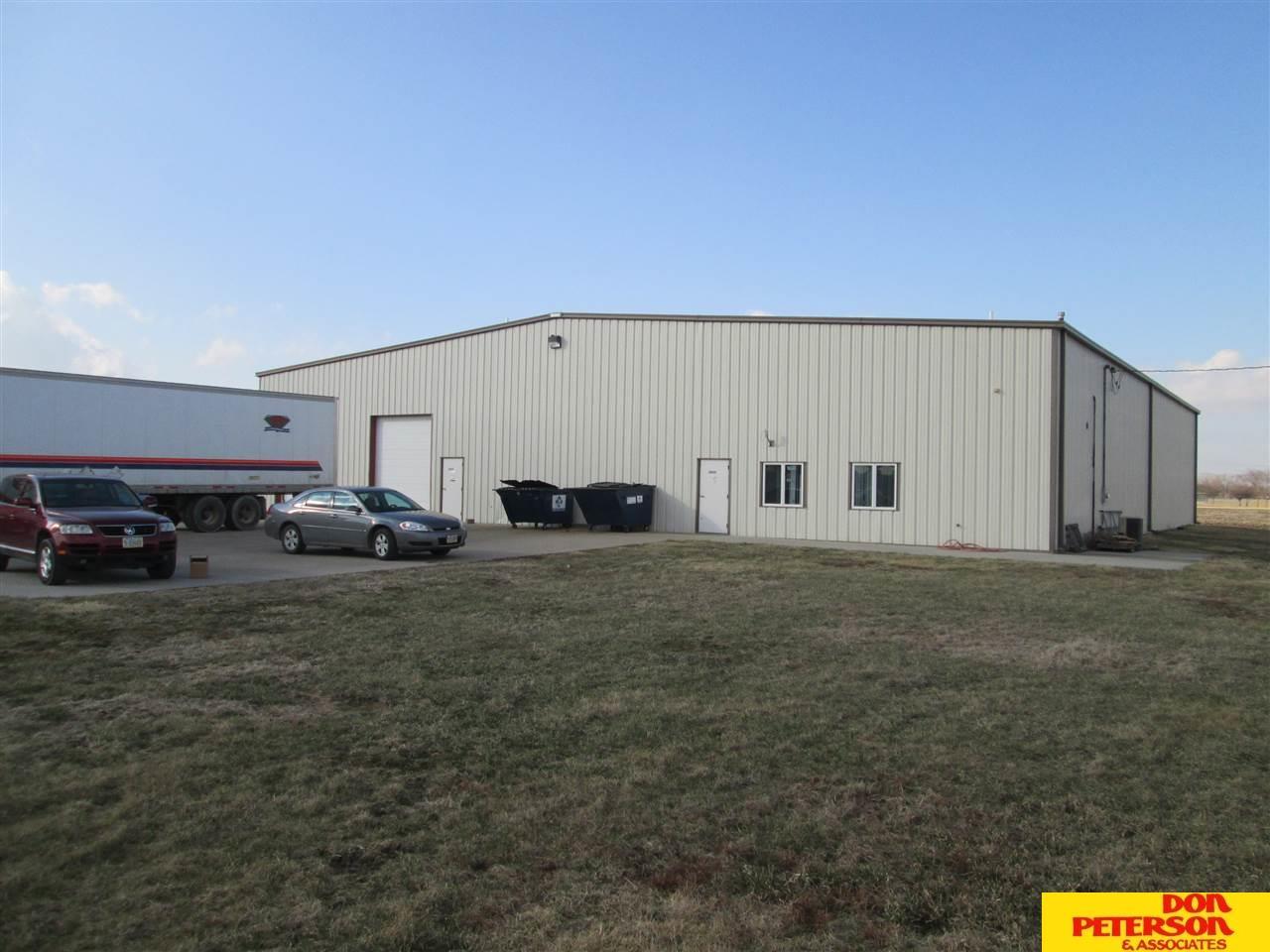 2860 W 23rd Dr, Fremont, NE 68025