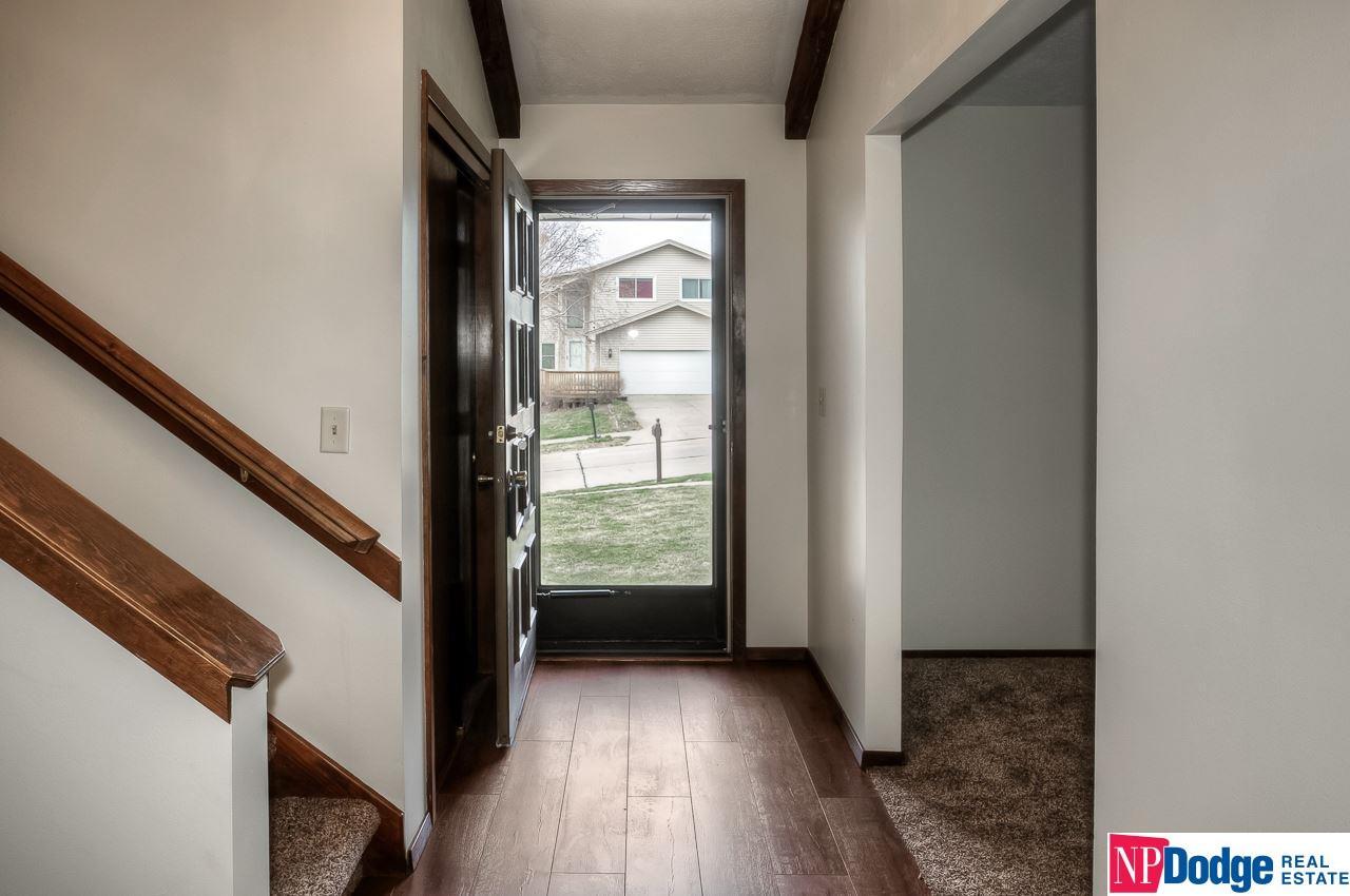 Detached Housing, Tri-Level - Bellevue, NE (photo 4)