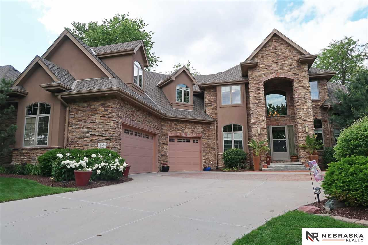 4510 Lake Forest Circle Papillion, NE 68133
