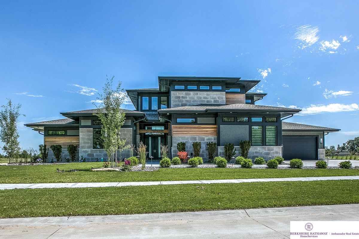 Nebraska waterfront property in omaha north bend for Nebraska home builders