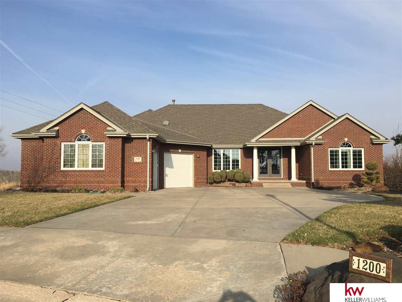 1200 Lakeview Circle Ashland, NE 68003