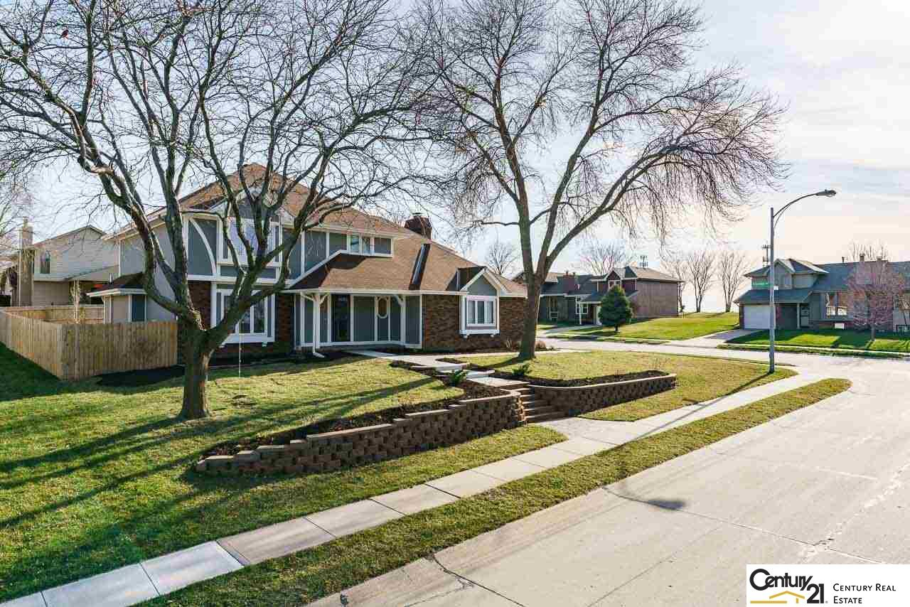 601 Michael Drive, Papillion in  County, NE 68046 Home for Sale