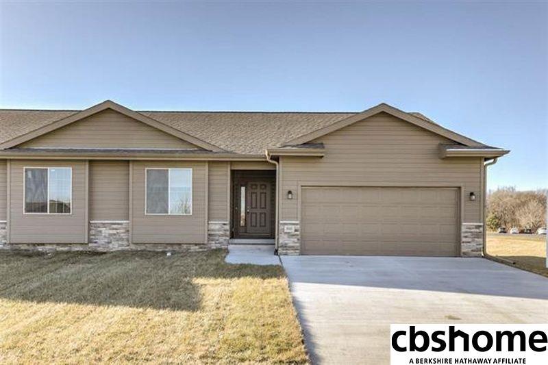 2906 Lakeside Drive, Plattsmouth, Nebraska