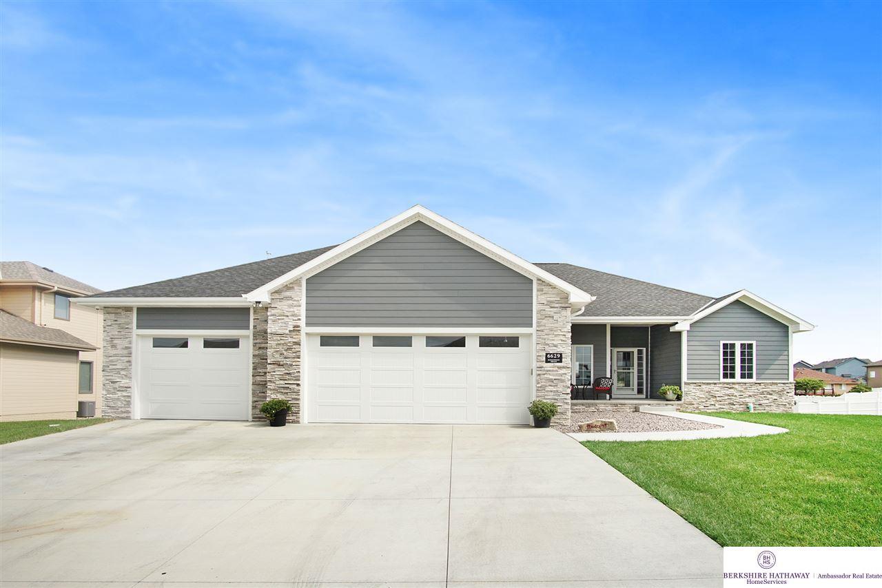 6629 Ridgewood Drive Papillion, NE 68133