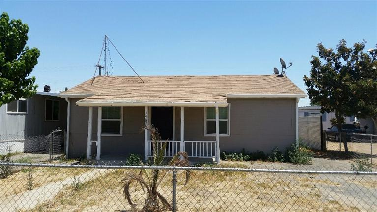 Photo of 14696 North Road 190 Road  Poplar  CA