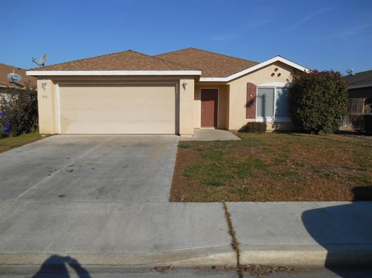 Photo of 958 West Cleo Avenue  Porterville  CA
