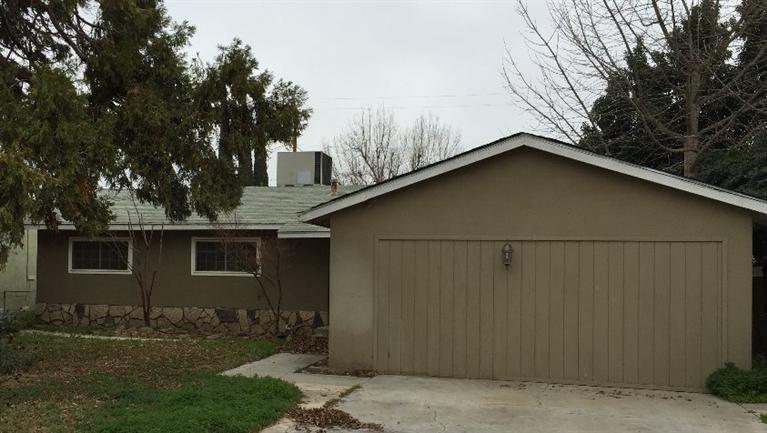 1272 N Beverly St, Porterville, CA 93257