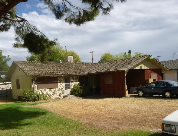 1704 W Belleview Ave, Porterville, CA 93257
