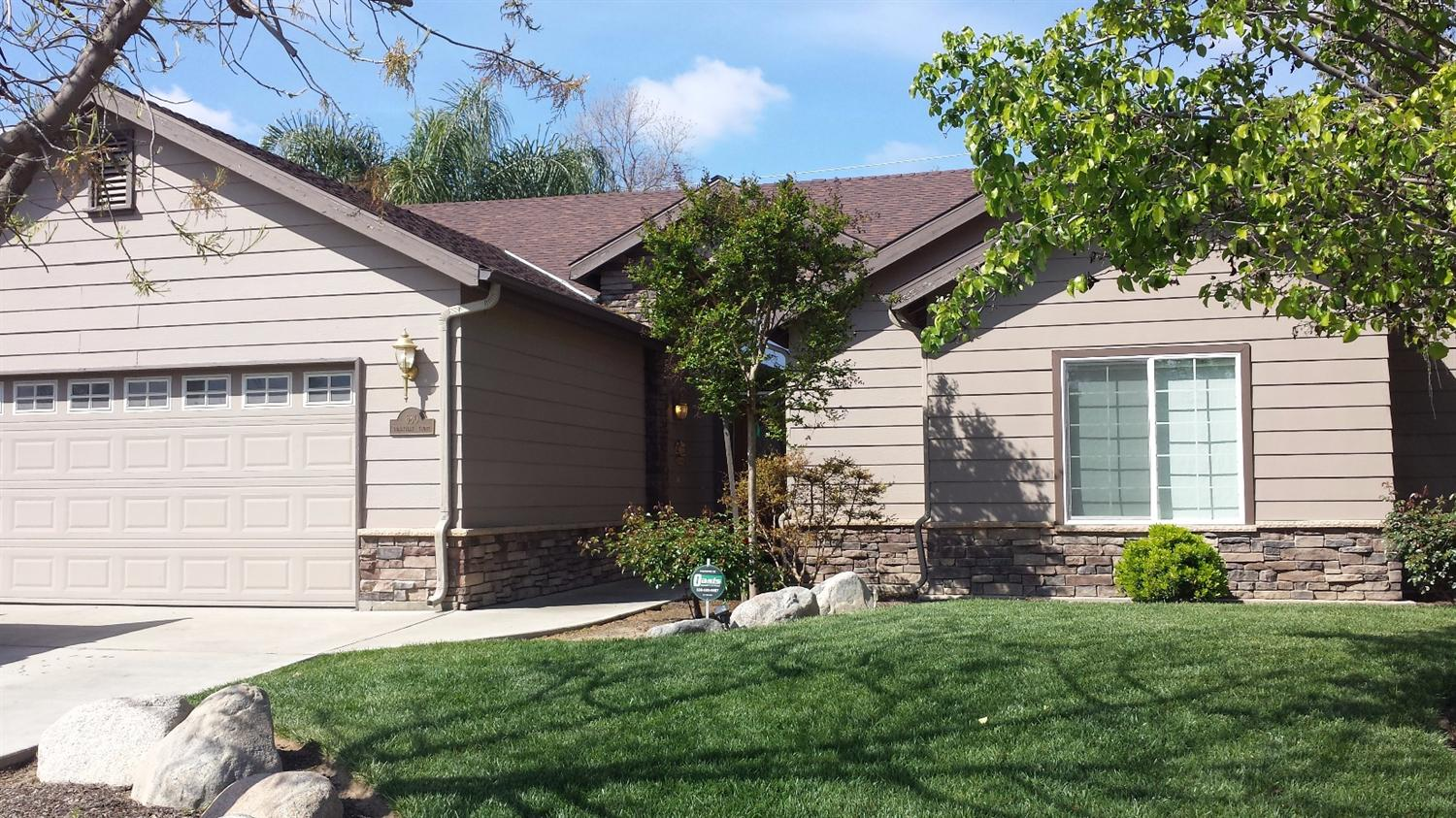 Photo of 680  Sunnyview Court  Exeter  CA