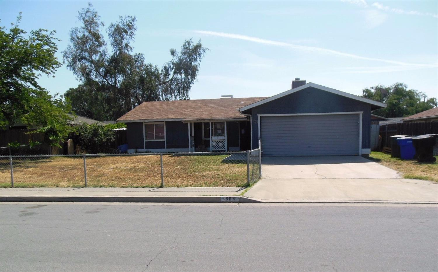 569 S 11 1/2 Ave, Hanford, CA 93230
