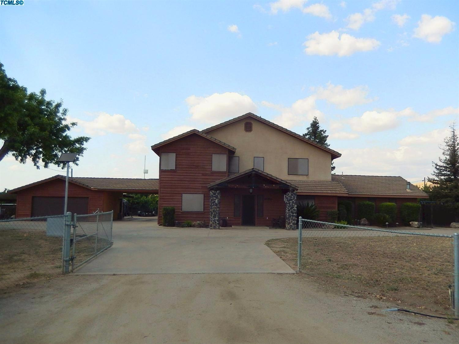Photo of 23984  Ave 216  Lindsay  CA