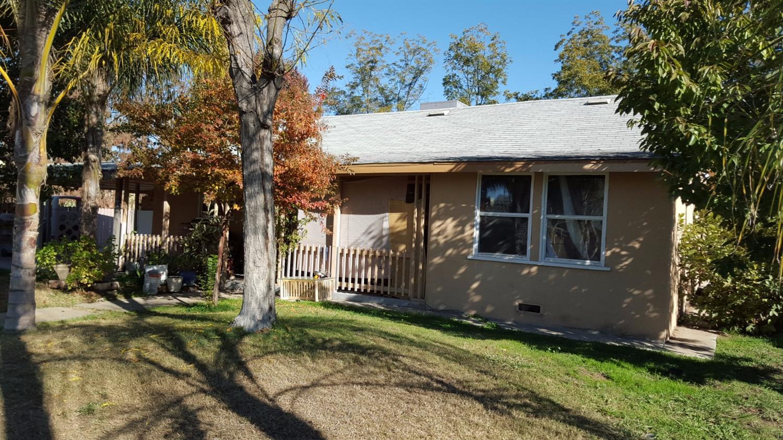 Single Story property for sale at 826 South Fulgham Street, Visalia California 93277