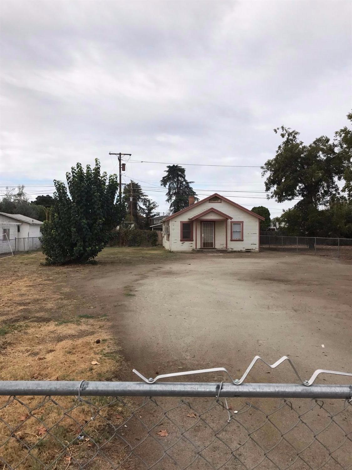 Photo of 75 South Chess Terrace  Porterville  CA