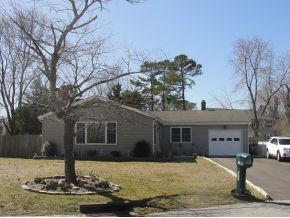 46 Tradewinds Dr, Tuckerton, NJ 08087