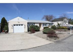 4 Hollywood Blvd N, Forked River, NJ 08731