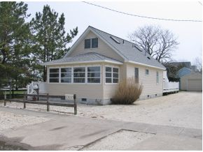 1307 S West Ave, Beach Haven, NJ 08008