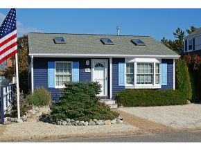 113 E 21st St, Beach Haven, NJ 08008