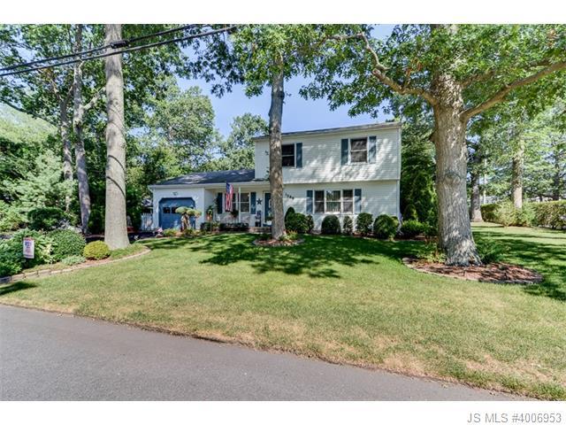 Single Family Home for Sale, ListingId:34963438, location: 1586 Larsen Street Brick 08724
