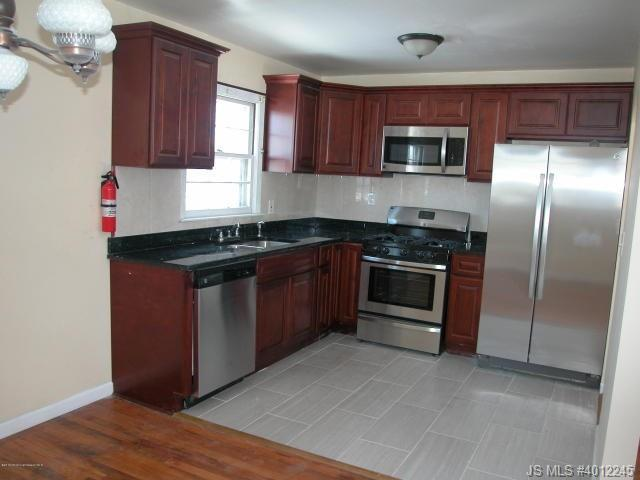 Rental Homes for Rent, ListingId:37096669, location: 813 Holiday Court Toms River 08753