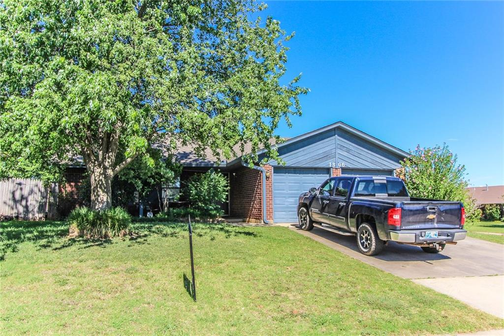 Photo of 1306 Silver Maple Lane  Noble  OK