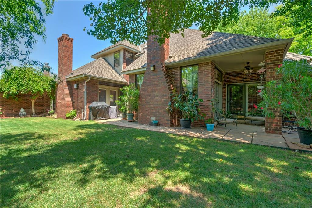 Photo of 1817 Oaks Way  Oklahoma City  OK