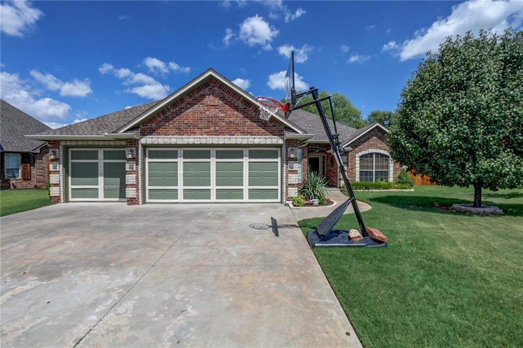 Photo of 3209 31st Court  Moore  OK