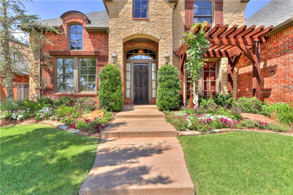 Traditional, Single Family - Edmond, OK (photo 4)