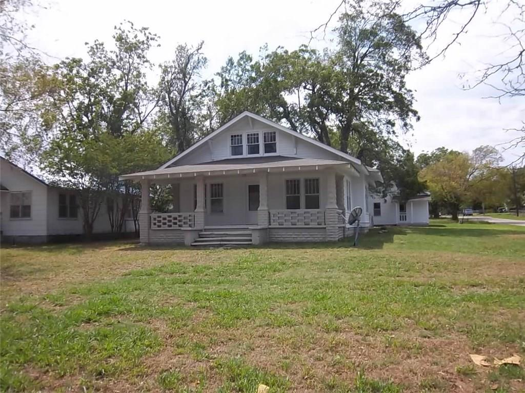 Photo of 301 S 6th Street  Okemah  OK