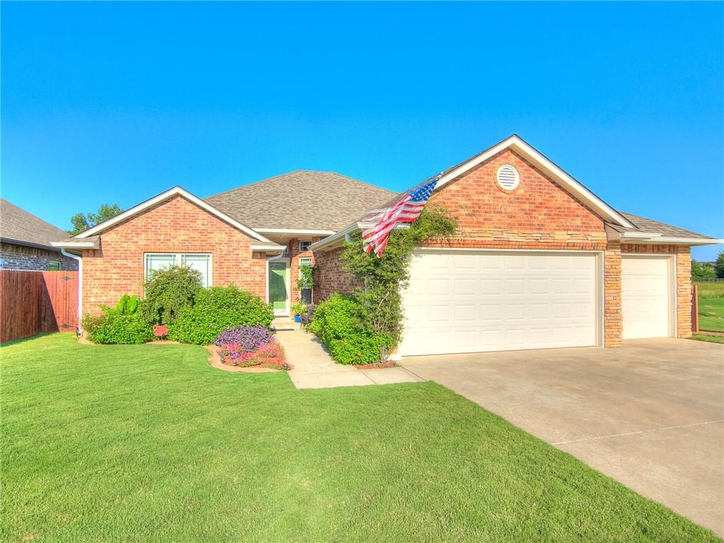 Photo of 3301 Red Rock Drive  Moore  OK