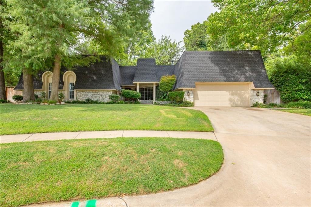 1226 Greenbriar Court, Norman in Cleveland County, OK 73072 Home for Sale
