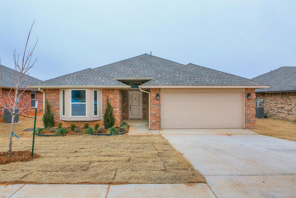 2504 Snapper Lane Midwest City, OK 73130